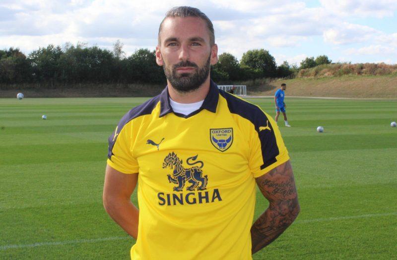 Ricky Holmes joins Oxford United on a season-long loan