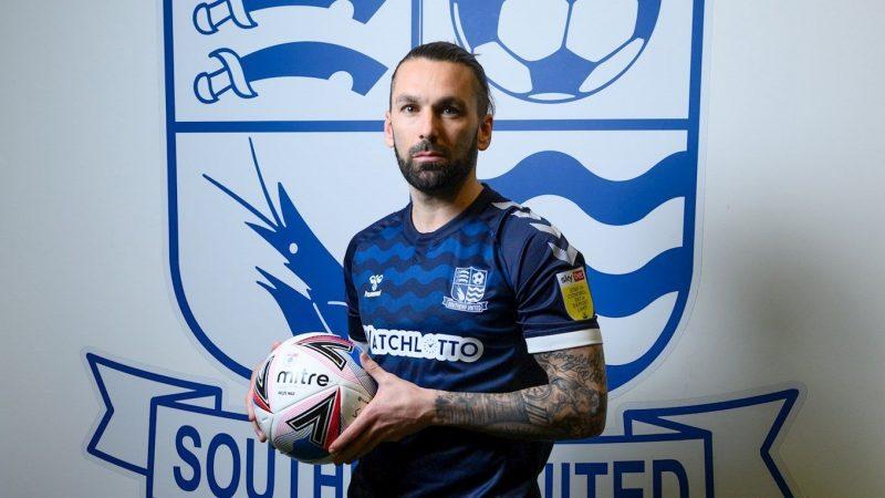 Ricky Holmes joins Southend United