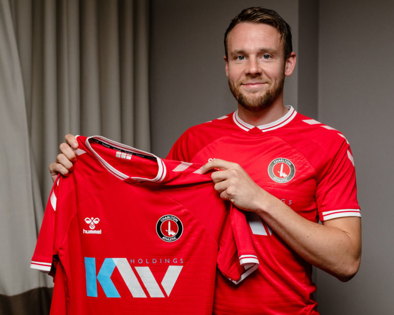 Chris Gunter joins Charlton Athletic