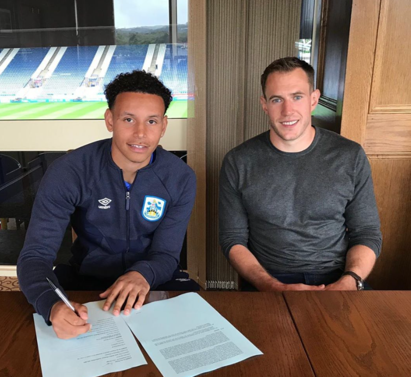 Rarmani Edmonds-Green signs New Contract at Huddersfield Town